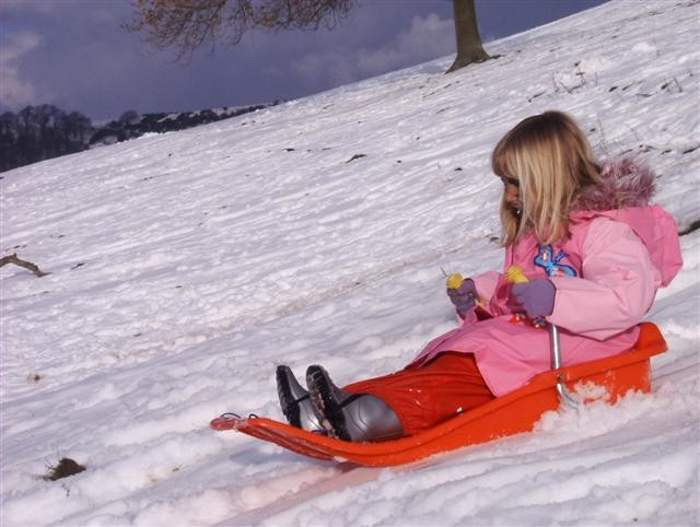 beth_sledging_29_feb_04_Small.jpg