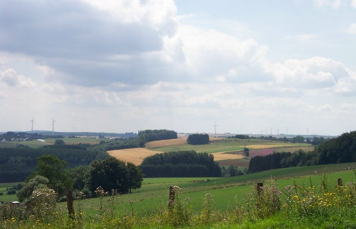 Wind_farm_in_Luxembourg.jpg