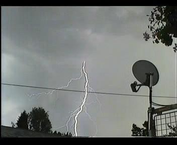 4th July 2006 Storm Video - Andy - Beanhill_0024.jpg