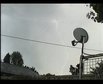 4th July 2006 Storm Video - Andy - Beanhill_0028.jpg