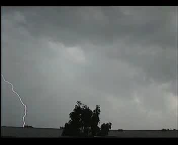 4th July 2006 Storm Video - Andy - Beanhill_0001.jpg