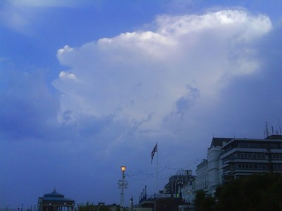 15/07/2007 (Eastbourne) - anvil of approaching thunderstorm