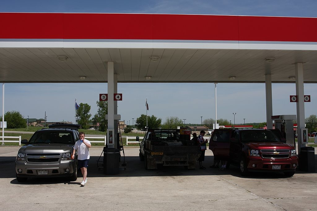22. Gas guzzlers taking a drink in Oklahoma 0106.jpg