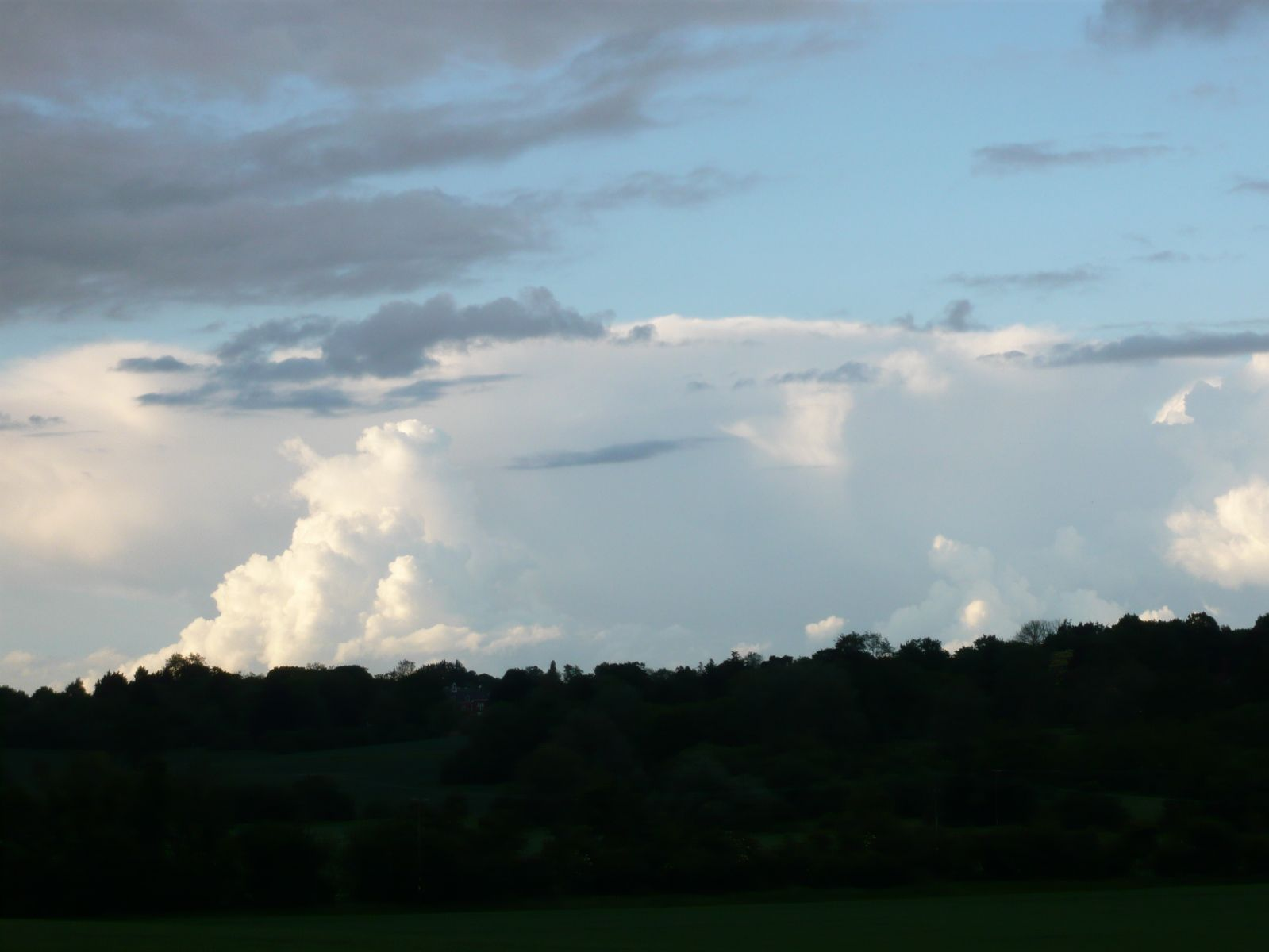 Anvil forming, late afternoon in East Essex - 24th May 2014